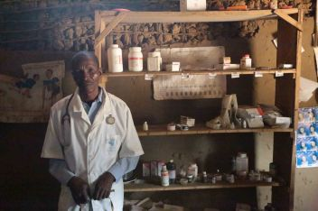 Les médicaments dont dispose un infirmier, pour environ 1500 habitants. ©seytre